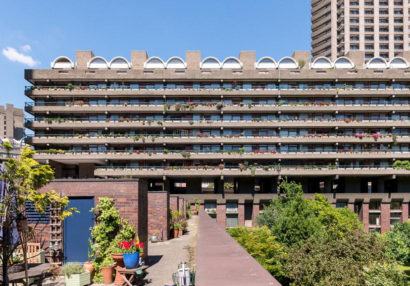 Barbican-Modern-House-3