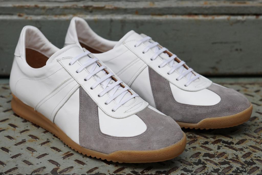 Epaulet-Sports-Sneaker-4