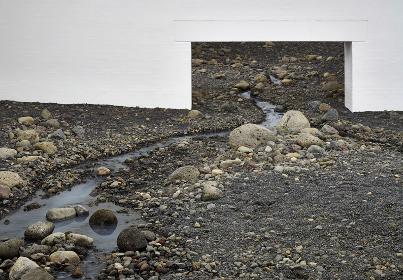 Olafur Eliasson-Riverbed-02