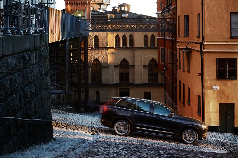 Volvo-XC90-04