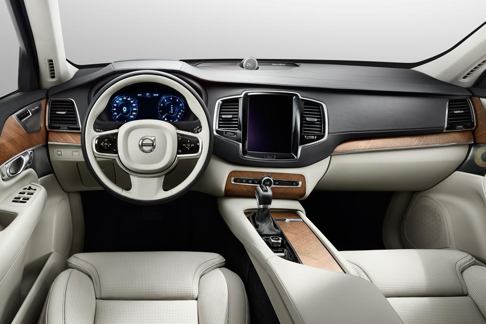 Volvo-XC90-06