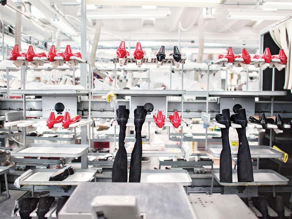 prada-factory2014-01