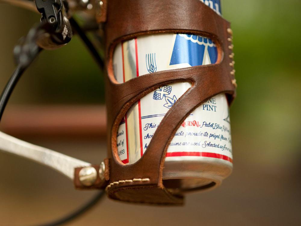 walnut-leather-bike-accessories-02