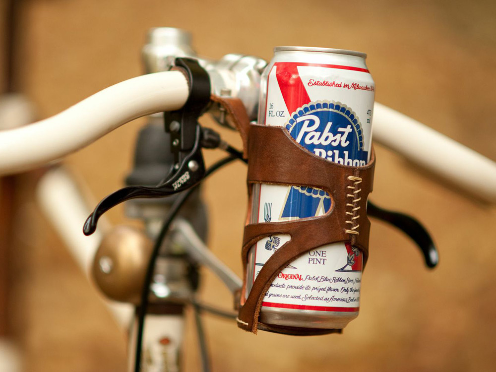 walnut-leather-bike-accessories-05