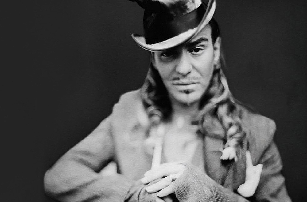 John galliano joins maison margiela as creative director for Galliano margiela