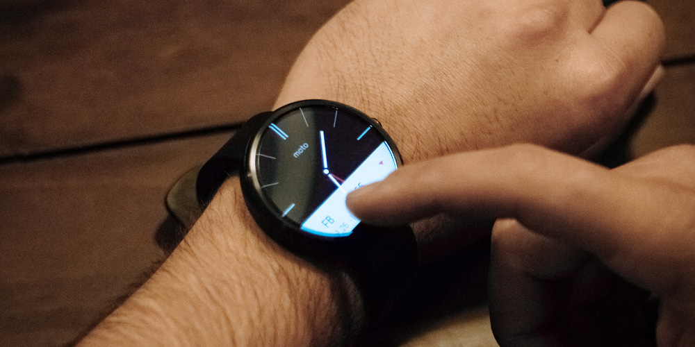moto-360-smartwatch-00