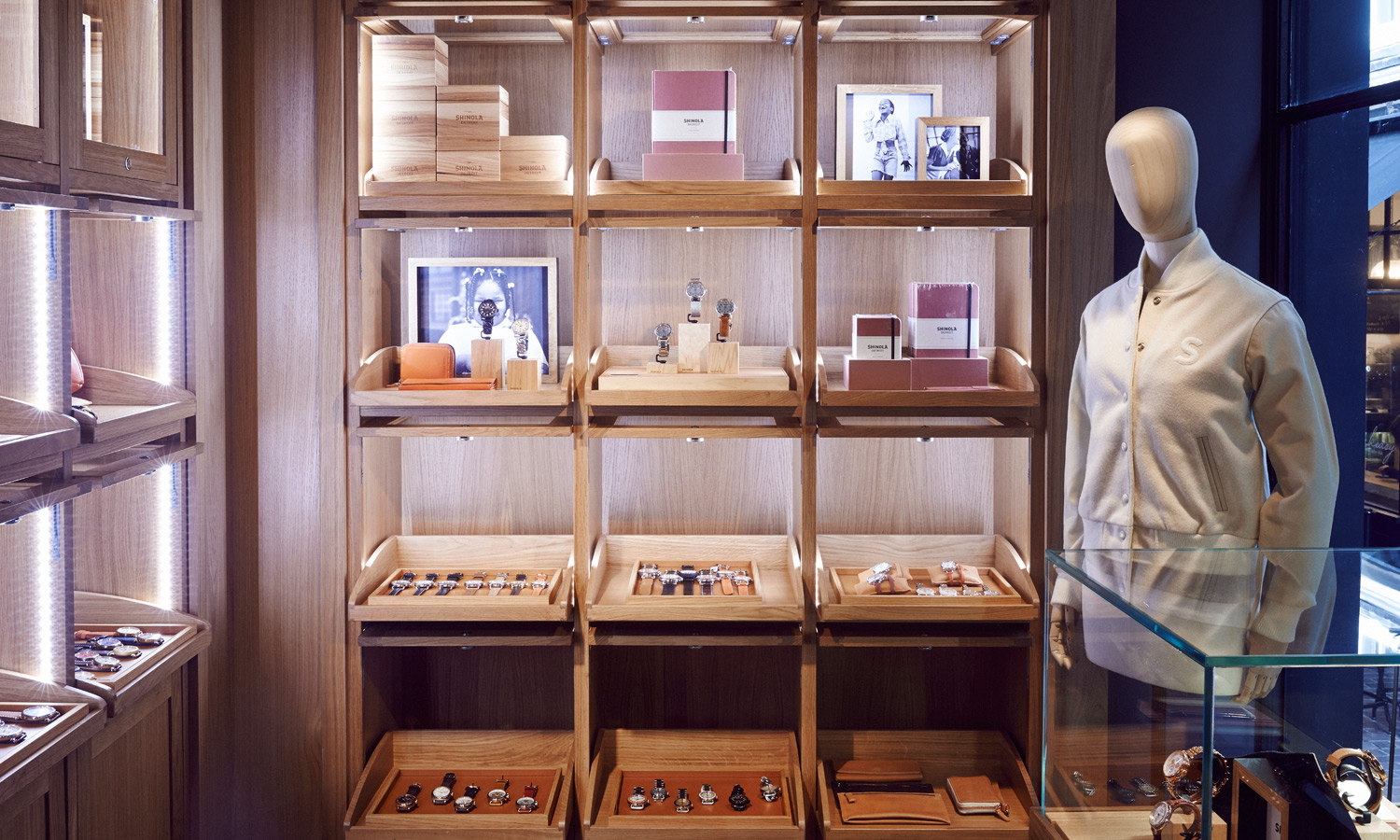 shinola-london-store-2014-00