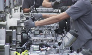 See the German Porsche 911 Engine Assembly Line in Action