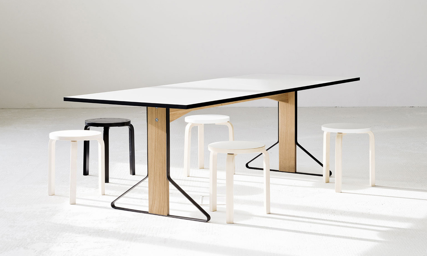 Bouroullec-Artek-Kaari-Tables-feature