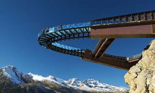 Explore Canada's Rocky Mountains with the 450-Metre Skywalk