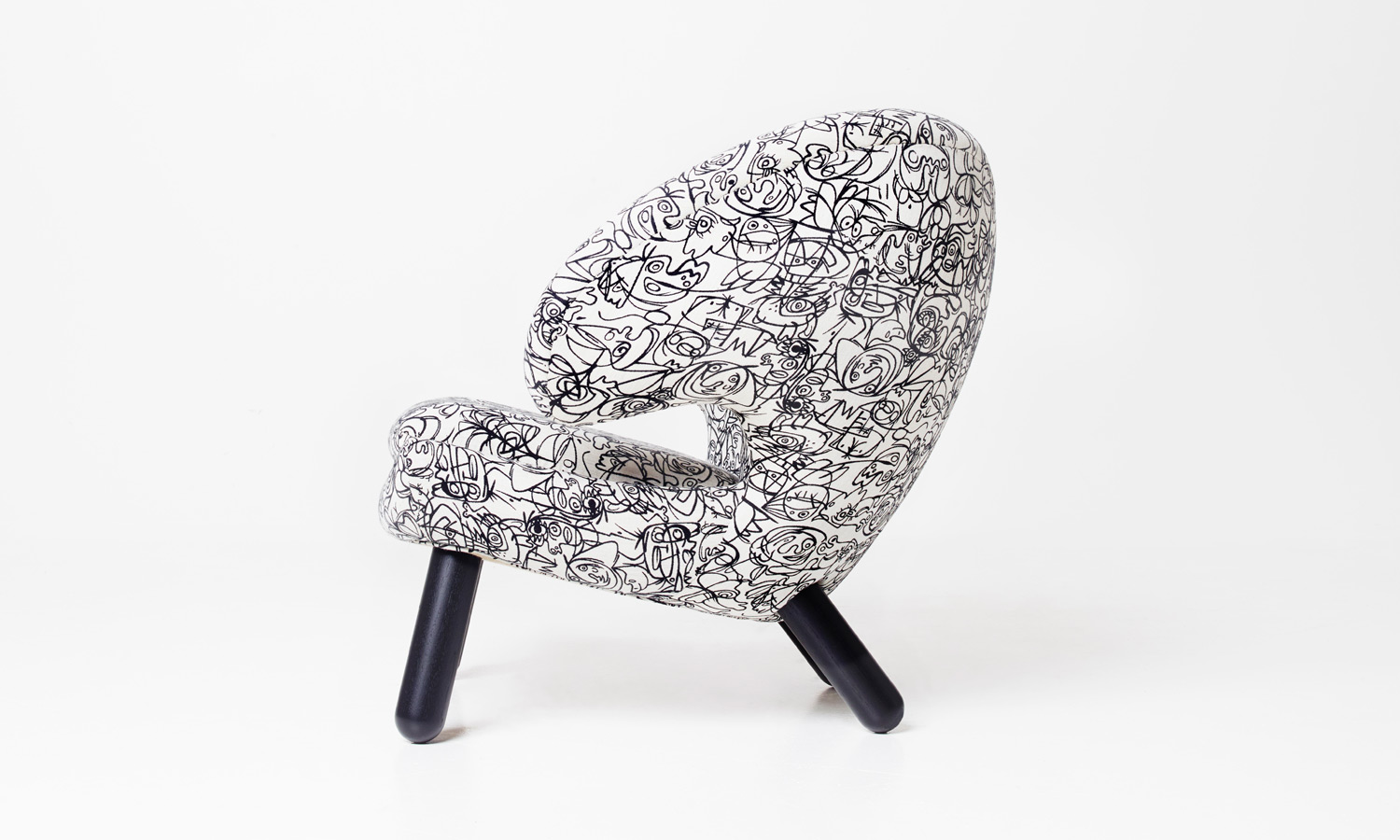 pelican-chair-2015-feat