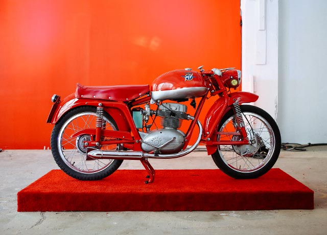 Art-of-the-italian-two-wheel-Stuart-Parr-motorcylce-mobile