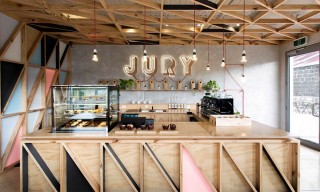 "Melbourne's ""Jury Cafe"" Breathes New Life Into Old Prison"
