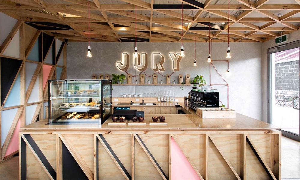 """""""Jury Cafe"""" Breathes Life Into Old Prison"""