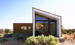 "The Angular ""Capitol Reef"" Guesthouse in the Utah Desert"