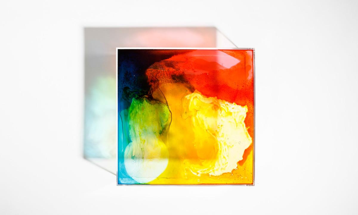light-box-gummy-bear-table-2015-feat