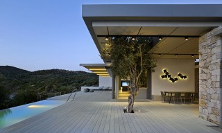 Incredible Views from 2 Greek Island Seaside Homes by Z-Level Architects
