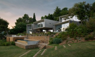 "See the ""Maison Le Cap"" Concrete & Glass Residence in Toulon, France"