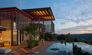 Escape Urban Sprawl Inside This Forest-Facing Home in Brazil