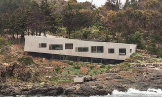 Bahia Azul House Takes on the Rugged Chilean Coastline