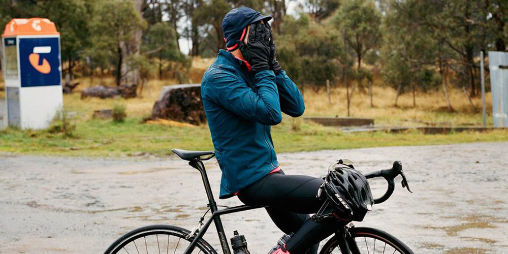 coldweather-cycling-2015-car