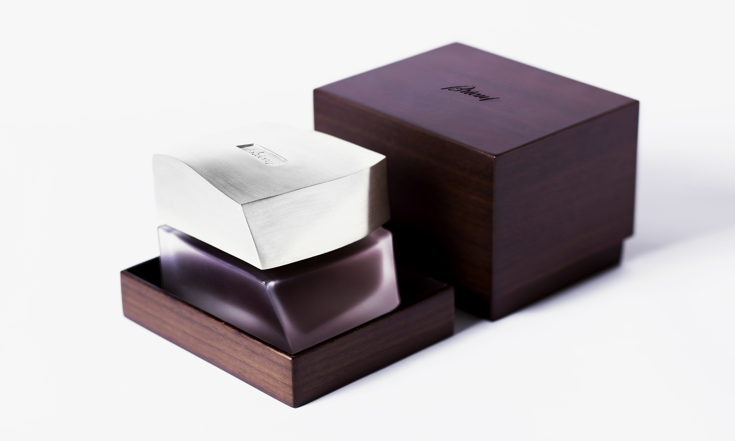 Brioni-Fragrance-Extrait-Intense-feature